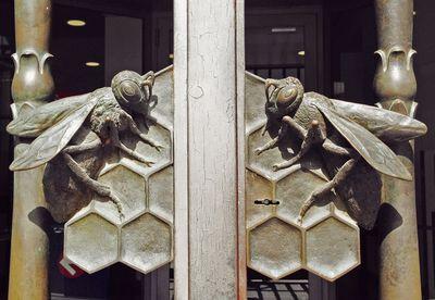 Beehandles
